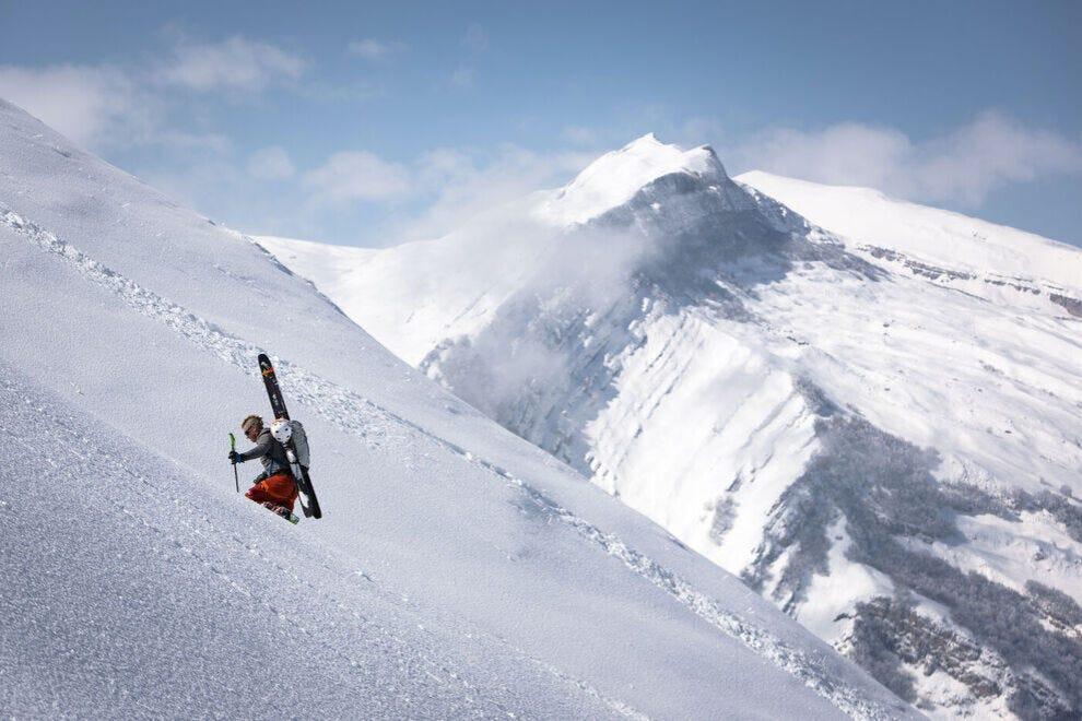 Shahdag-Resort---Skiing-10_54_990x660